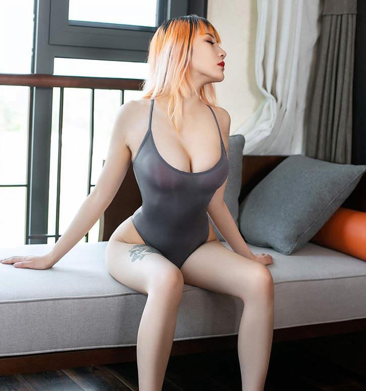 性感嫩模情趣连体衣写真照片